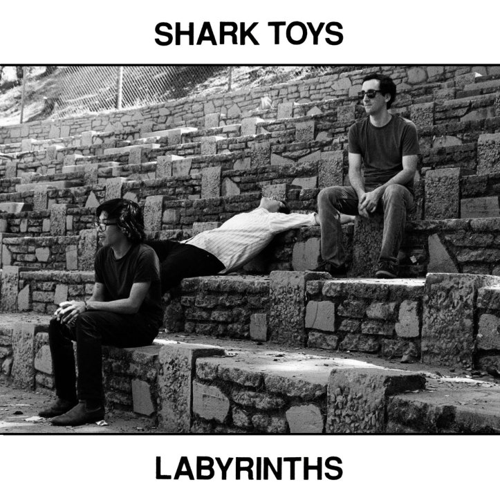 SHARK TOYS - Labrynth